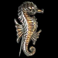 Small Cini Sterling Seahorse Pin