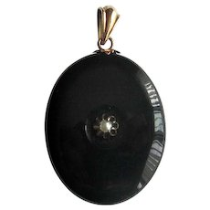 14K Victorian Black Onyx Hair Locket with Pearl