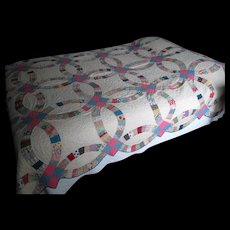 """Vintage Patchwork """"Double Wedding Ring"""" Quilt"""