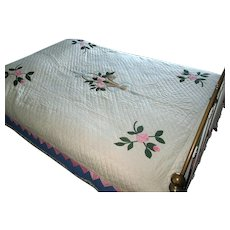 "Vintage hand-Made Applique ""Flower Basket"" Quilt"