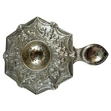Beautiful Cherub Continental Silver 6sided Tea Strainer