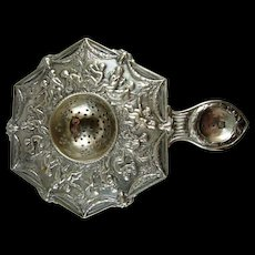 Beautiful Cherub Continental Silver 6sided Tea Strainer