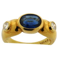 Vintage Designer Oval Sapphire Diamonds 18K Yellow Gold Ring
