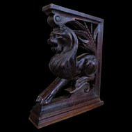 19th Century Antique Renaissance Style Oak Lion Bracket