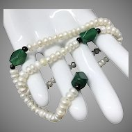 Beautiful Cultured Freshwater Pearls with Green Carnelian Beaded Necklace 17 Inches