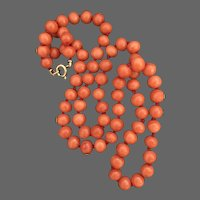 Vintage 18K Yellow Gold Genuine Salmon Red Coral Hand Knotted Necklace