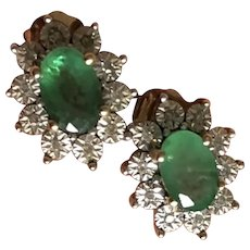 Gorgeous Pair of Vintage 10K Yellow Gold Natural Emerald Post Earrings