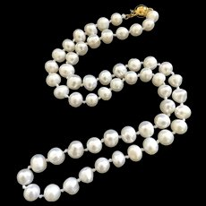 Vintage Gild White Freshwater Pearls Hand Knotted Necklace