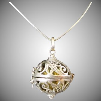 Sterling Silver Filigree Harmony Chime Ball Vintage