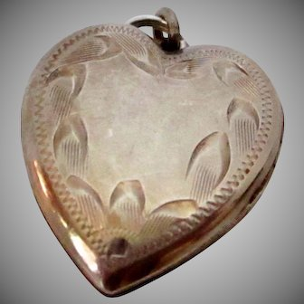 Sterling Silver Chased Heart Locket W Pictures Vintage