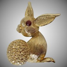 Cottontail Rabbit Gold Tone Brooch Vintage