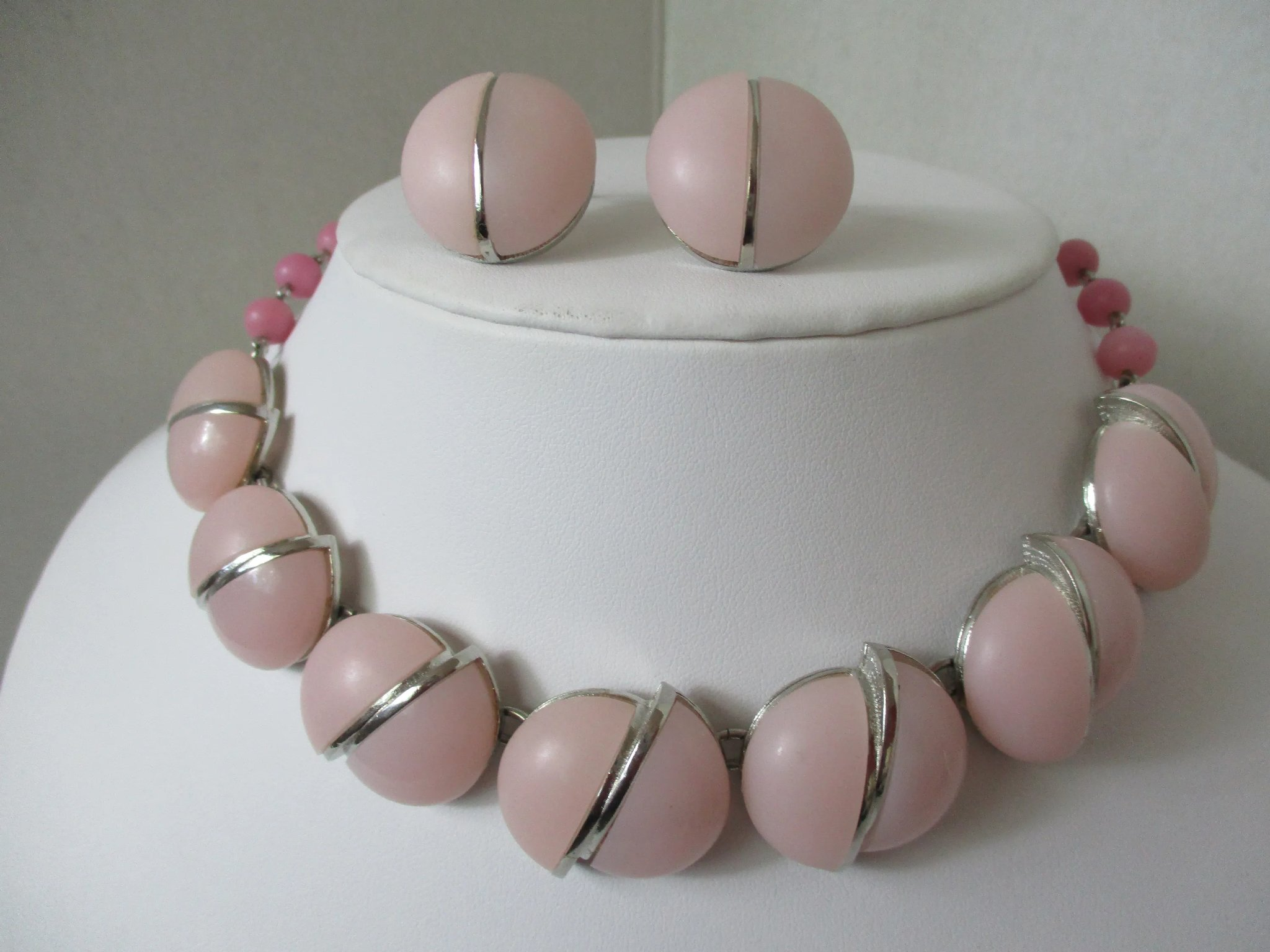 Triad Soft Pink Lucite Sliced Rounds Necklace Earrings Set Vintage