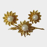 Sunflower Brooch and Earring Set Gold Tone Faux Pearl Vintage