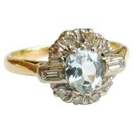 Vintage 18ct Gold Aquamarine & Diamond Ring