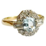 Vintage 18ct Gold Aquamarine & Diamond Ring