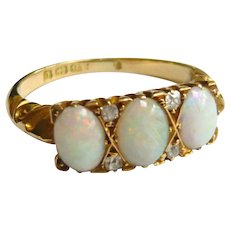 Edwardian 18ct Gold Opal & Diamond Ring