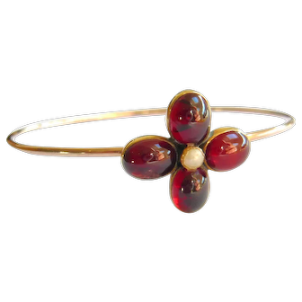Victorian Cabochon Garnet Flower Bangle