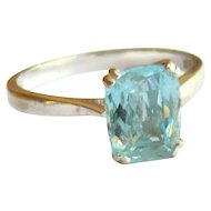 Vintage 18kt Gold Aquamarine Solitaire Ring