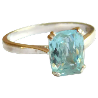 Vintage 18kt Gold Aquamarine Solitaire Ring