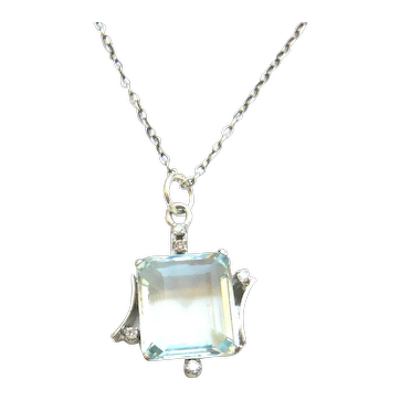 Vintage 18ct White Gold Aquamarine and Diamond Pendant