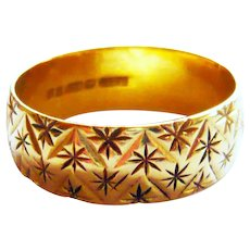 Vintage 18kt Gold Star Cut Wide Gold Band Ring