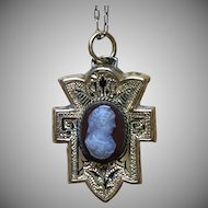 Vintage Victorian style hardstone cameo pendant