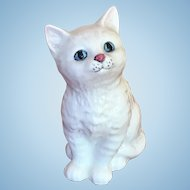 Royal Doulton 4 inch white long hared cat with blue green eyes