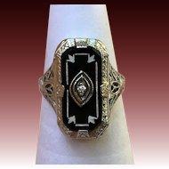 Vintage 14 kt white gold onyx and diamond filigree ring