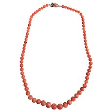 Vintage natural coral graduated necklace