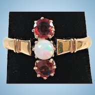 Victorian ruby and opal ring in 14 kt gold