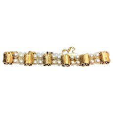 Vintage Retro 14 kt gold and double strand pearl bracelet