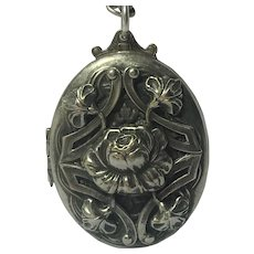 Vintage large Art Nouveau locket with chain