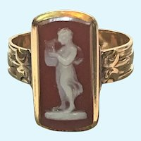 Victorian 14 karat rose gold agate Muse cameo ring
