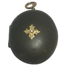 Victorian mourning locket with seed pearl