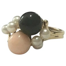 Vintage 14 karat Angelskin coral and black coral bead ring