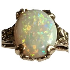 Vintage 10 karat gold and opal ring