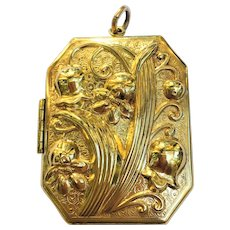 Vintage large 14 kt gold plated lily of valley locket