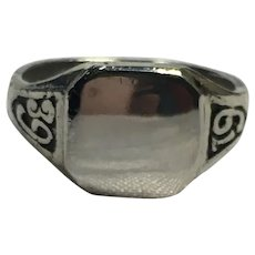 Vintage sterling silver 1939 class or signet ring