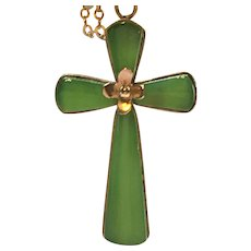 Vintage 14 karat gold and Nephrite jade cross and chain