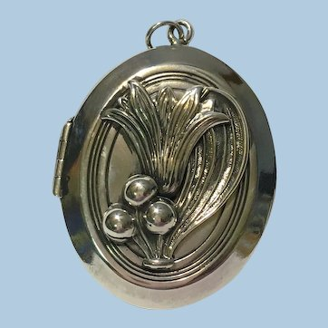 Antique Sterling silver Arts and Crafts locket