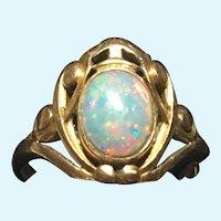 Vintage Art Nouveau 14 kt gold opal ring
