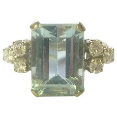Vintage natural Aquamarine and diamond ring 14 K gold