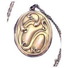 Vintage Art Nouveau locket with chain