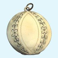 Vintage laurel leaf engraved rolled gold round locket