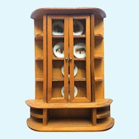 Vintage Miniature Hutch with six plates