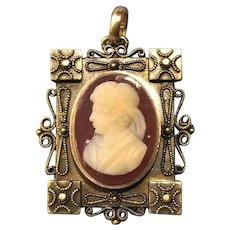 Victorian Hardstone 10 karat gold Cameo Brooch