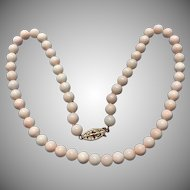 Vintage coral necklace 14 karat gold clasp