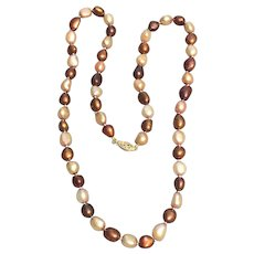 Cultured freshwater pearl necklace with 14 karat gold clasp