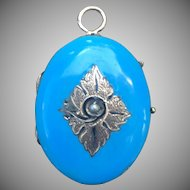 Victorian 14 kt sky blue enamel locket