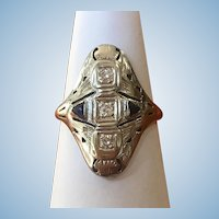 Vintage Art Deco 14 karat white gold sapphire and diamond ring circa 1920